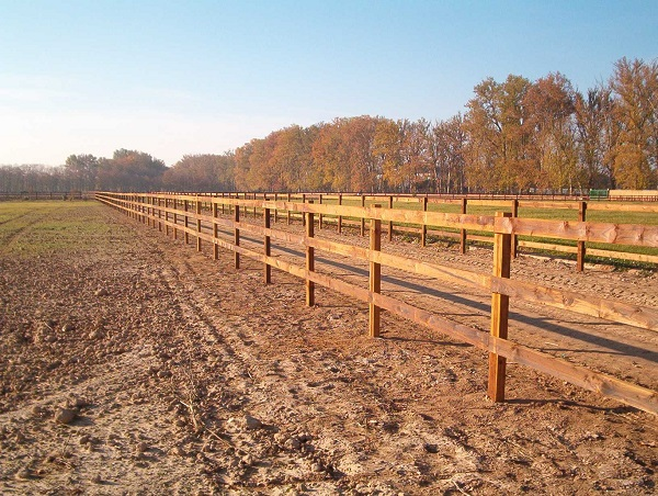 L.M. POST & RAIL FENCE 3 HEIGHTS