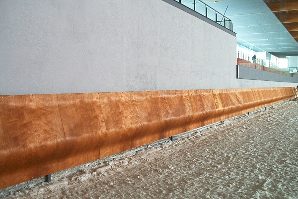 STANDARD WOODEN SAFETY WALL